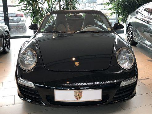 Porsche 911 Carrera Cabrio II DSG bei Autohaus ebner in