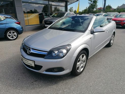 Opel Astra Twin Top Cosmo 1,6 Twinport bei Autohaus ebner in