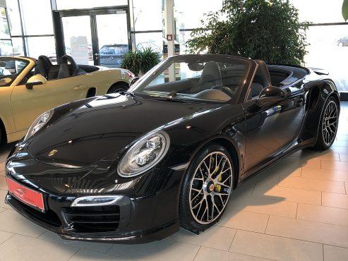 Porsche 911 Carrera Turbo S Cabrio DSG bei Autohaus ebner in