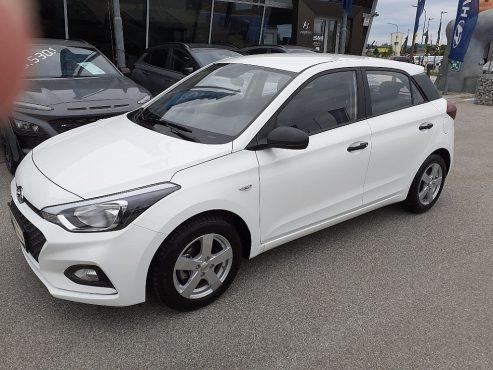 Hyundai i20 1,25 Level 1 bei Autohaus Ebner in